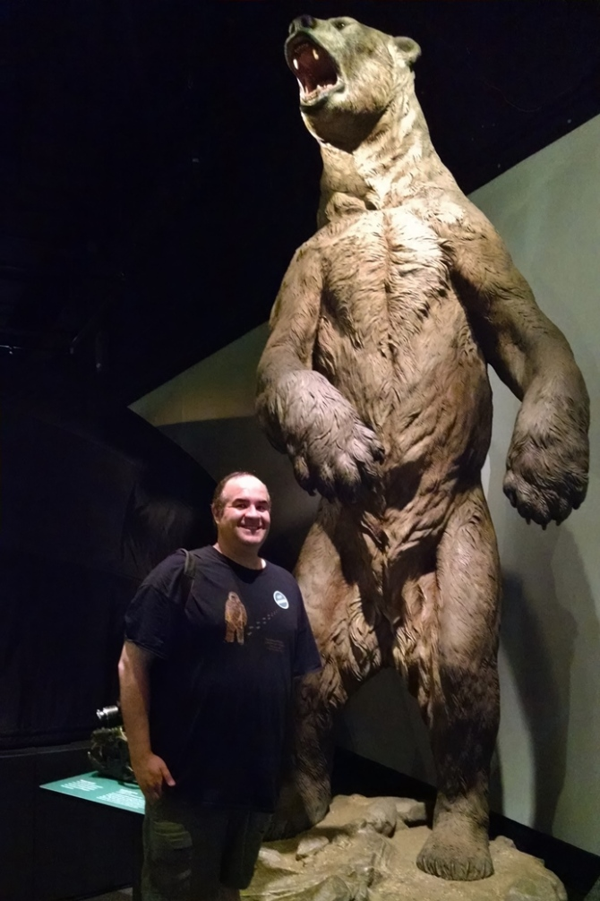 dave-fuentes-giant-short-faced-bear