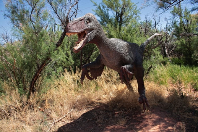 early-cretaceous-dinosaur-1
