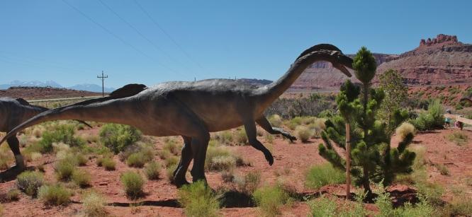 jurrasic-moab-dinosaur-4